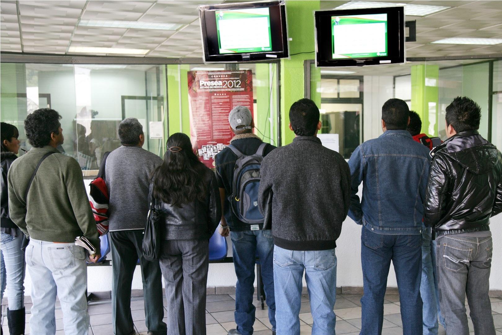La situaci n en el pa s es importante 07 11 13 for Bolsa de trabajo oficinas de gobierno