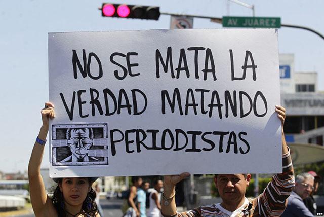 protesta_periodistas_03052013