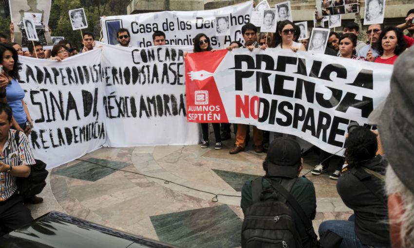 Protesta_Periodistas_A769ngel_Independencia-3