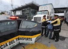 detienen_camion_robado_texcoco_policia_asegura_mercancia_contrapapelmx-266x193