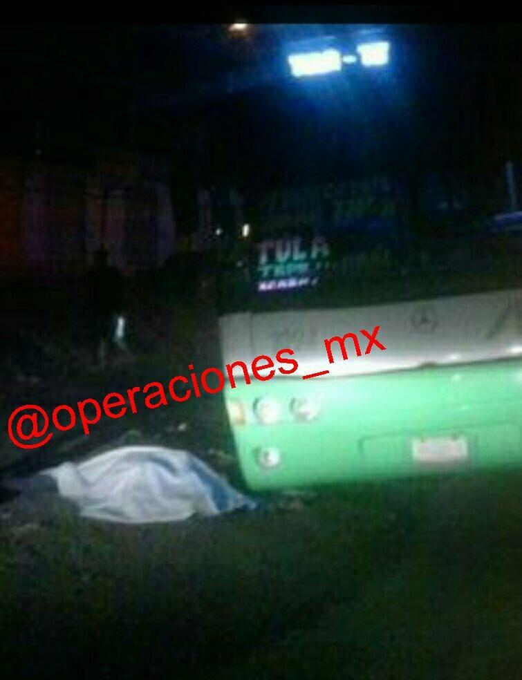 Pasajero mata a 2 presuntos asaltantes de autobús  Image62