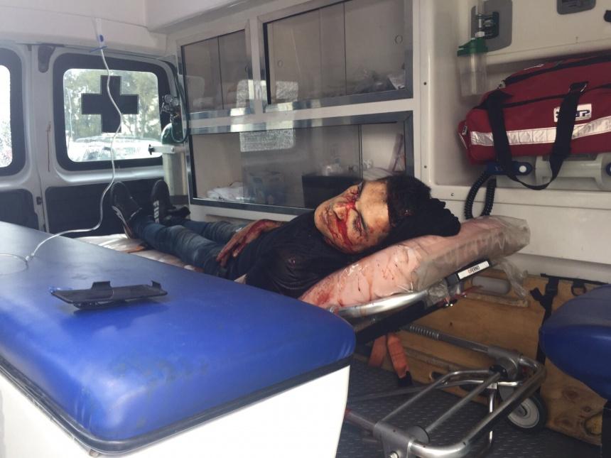 Le disparan en ambulancia a hombre herido.