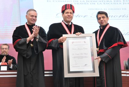 eruviel-avila-doctor-honoris-causa-11