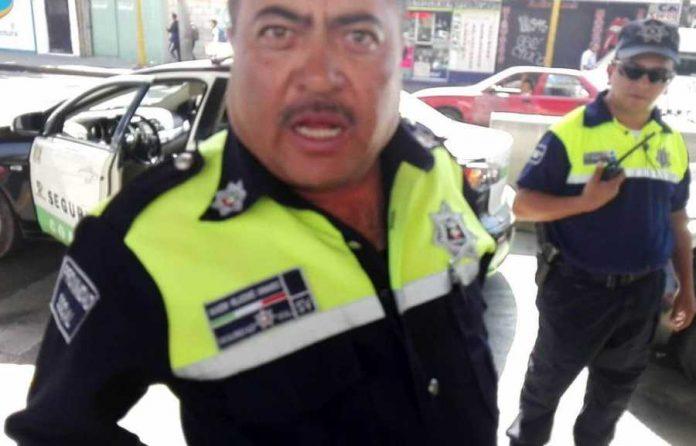 Policías-agreden-a-joven-que-se-negó-a-darles-mordida-en-la-López-Portillo-en-Coacalco-696x446
